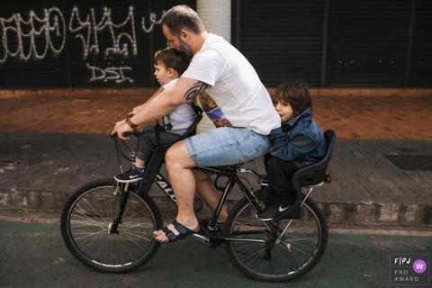 Adriana Costa is a family photographer from Minas Gerais