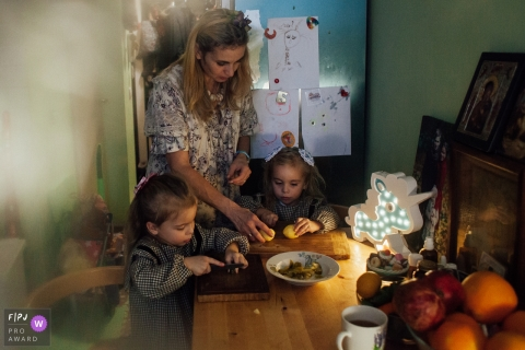 Julie Zhnyakina is a family photographer from