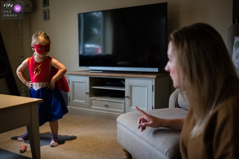Family - wonder woman gets told off | Cambridgeshire Family Photo