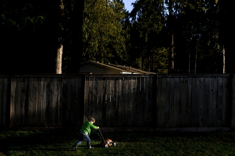 Logan Westom is a family photographer from Washington