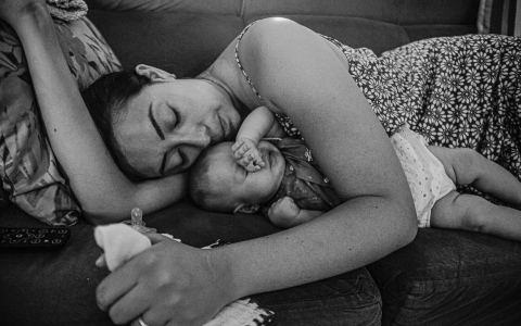 Lukinha Arruda is a family photographer from Paraná