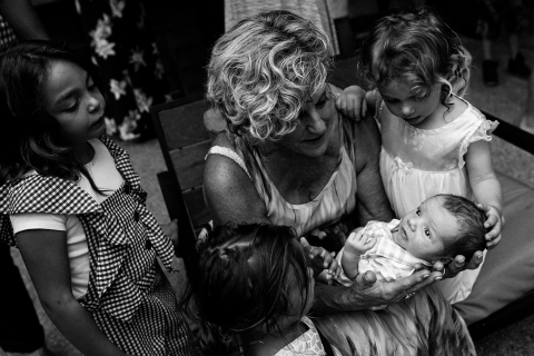 Ron Storer is a family photographer from Washington