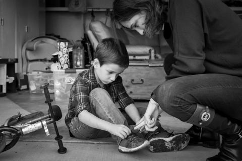 Loren Haar is a family photographer from California