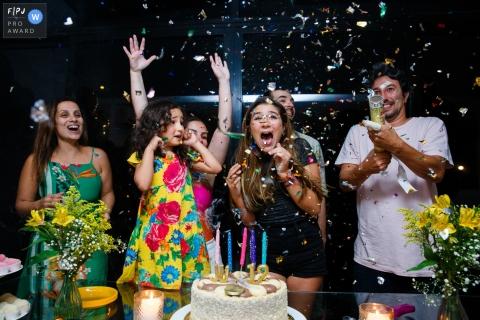 Sao Paulo Birthday Party Session of documentary family photography with the family celebrating a very Happy birthday
