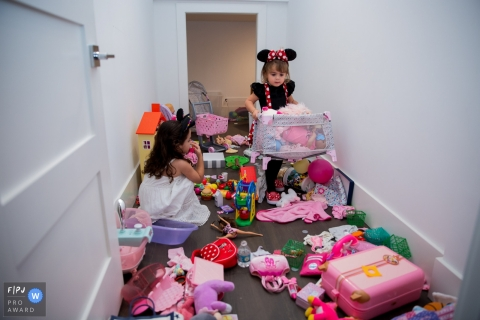 Moment-driven Orlando family photography of child and mess synonymous with freedom of expression