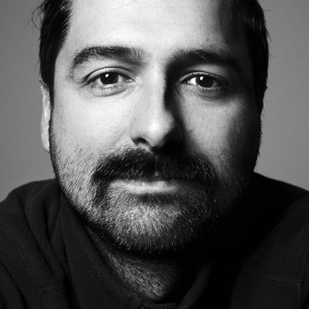 Pedro Vilela is dedicated to Freelance Family Photography in Portugal and Lisbon.