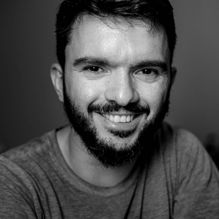 Portrait of Cuiabá family photographer Lisandro Castro - Serving families in Brazil and Mato Grosso