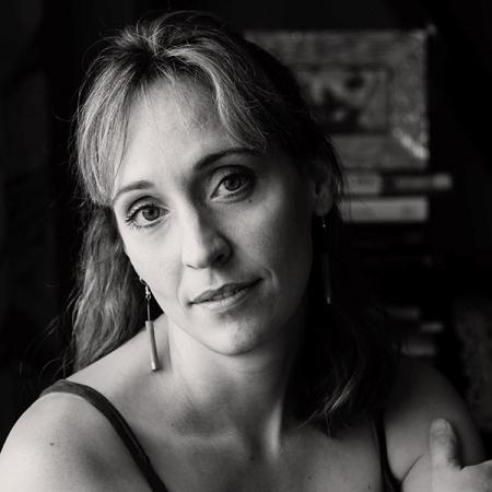 Portrait of Pittsburgh family photographer Pamela Anticole - PA FPJA