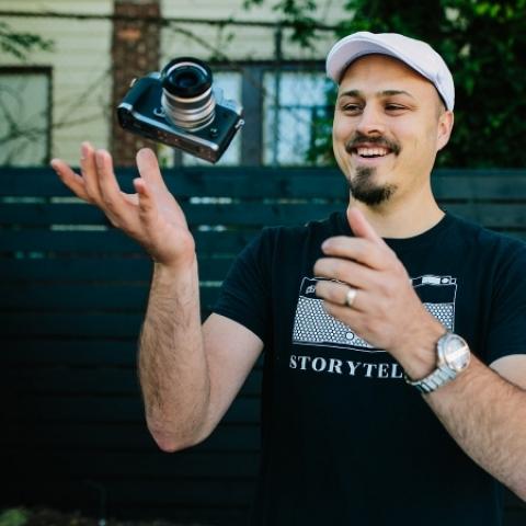 Joshua Grasso est un photographe de famille basé à Atlanta, en Géorgie.