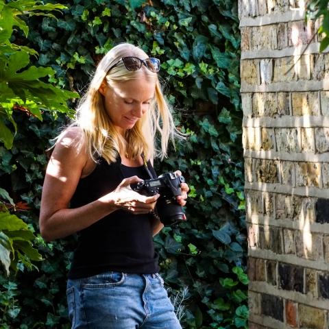 Portrait de la photographe de famille londonienne Irma Arrowsmith, Angleterre, Royaume-Uni
