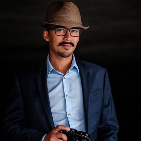 Photojournaliste de famille basé à Wiscon - Romulo Morishita