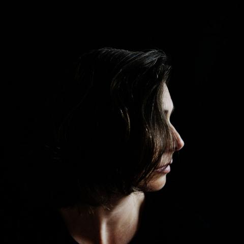 Studio portrait of family photographer Nadja Arold