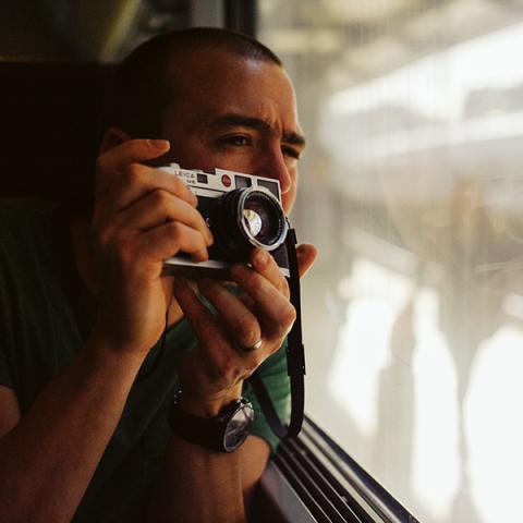 Adam Riley travaille tout le Royaume-Uni, l'Angleterre et le Grand Manchester en tant que photojournaliste de famille.