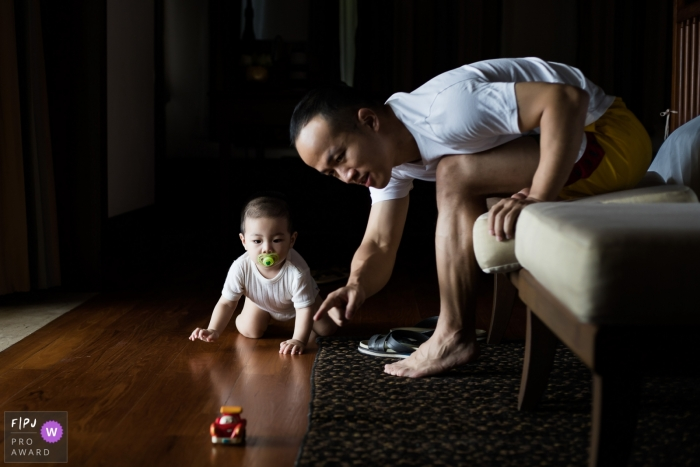 Zhejiang family photos from home session   Father and son game