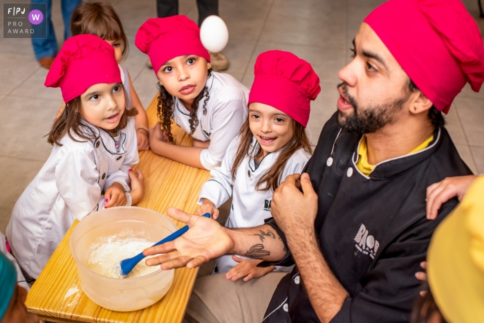Rio de Janeiro birthday party photography with chef cooking and kids
