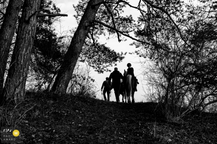 Noord Holland	Netherlands family Horse riding in the forest