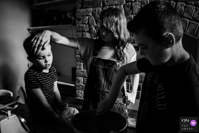 Greater Manchester Documentary Family Photographer | a family at home