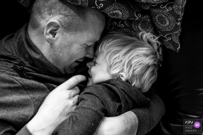 Eindhoven Documentary Family Photography | Daddy and son have a happy moment together