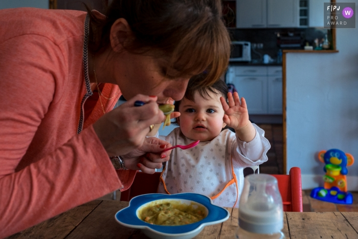 Ile-de-France Day in the Life documentary family photo of a little girls meal