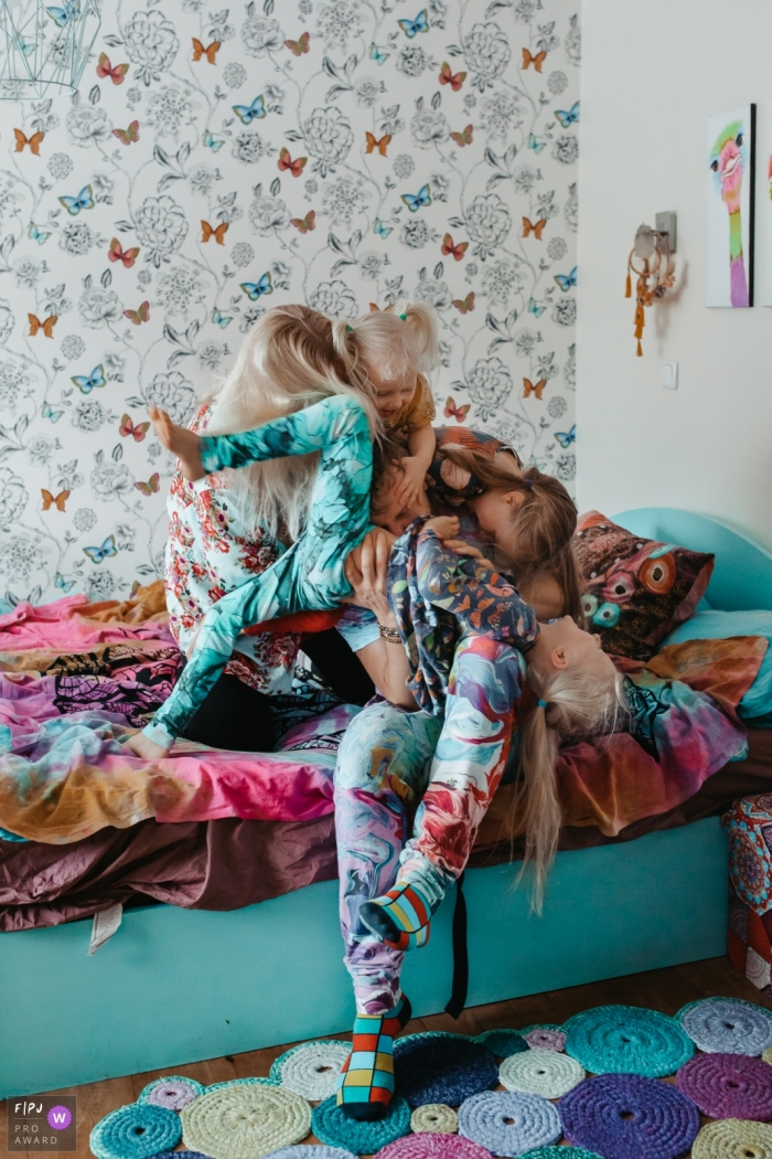Moment driven Harju County family Day in the Life photography full of joy at home