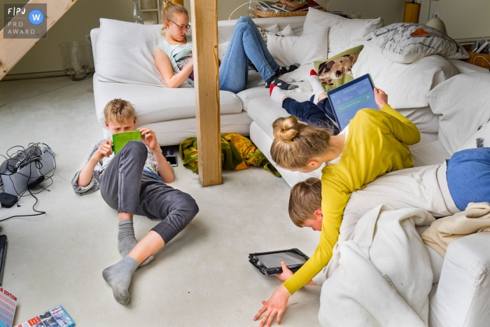 Dusseldorf kids hanging out together at home captured by Germany Family Photographer