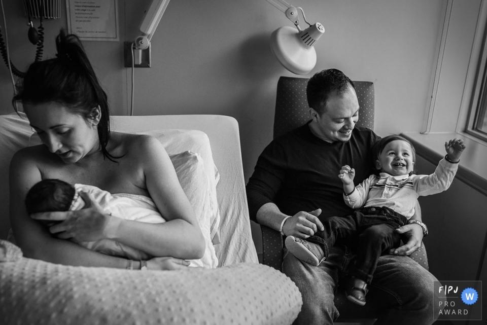 Adeline Leonti est une photographe de famille québécoise.